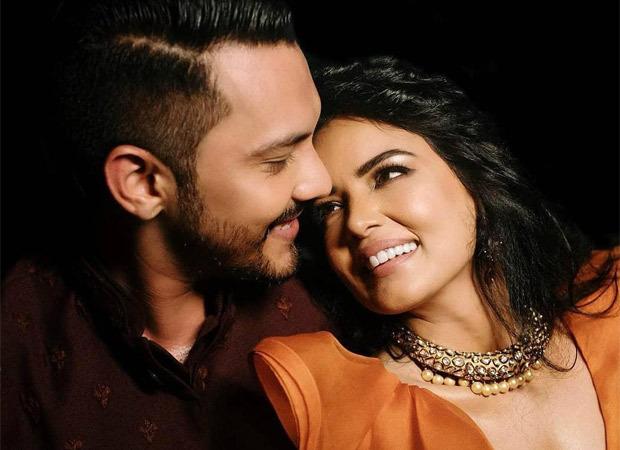 आदित्य नारायण और उनकी पत्नी कोविद -19 के लिए नकारात्मक परीक्षा दे रहे हैं