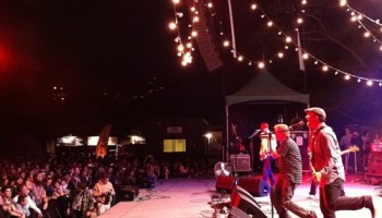 Pavement and their fabulous festoons