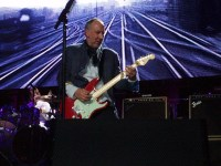 Pete Townshend, playing for nonfans