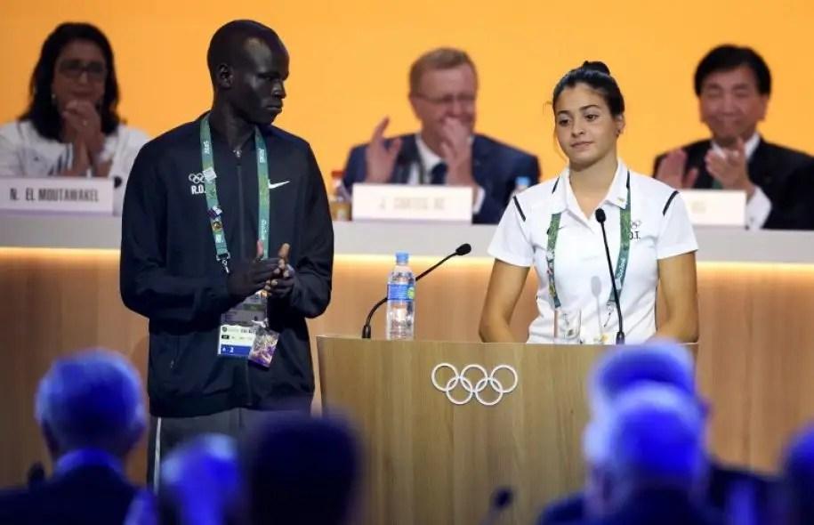 Le coureur Yiech Pur Biel et la nageuse Yusra Mardini font partie de l'équipe de réfugiés syriens qui participeront aux Jeux olympiques de Rio.