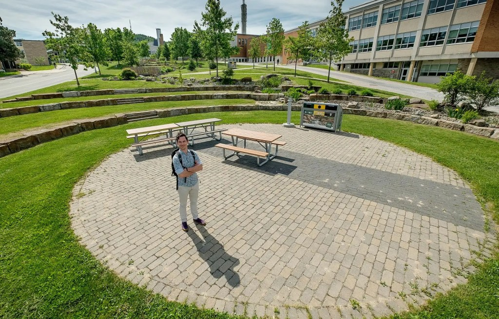 Des cours en plein air et... à l'église: l'Université de Sherbrooke réserve quelques surprises à ses étudiants pour la rentrée de l'automne.
