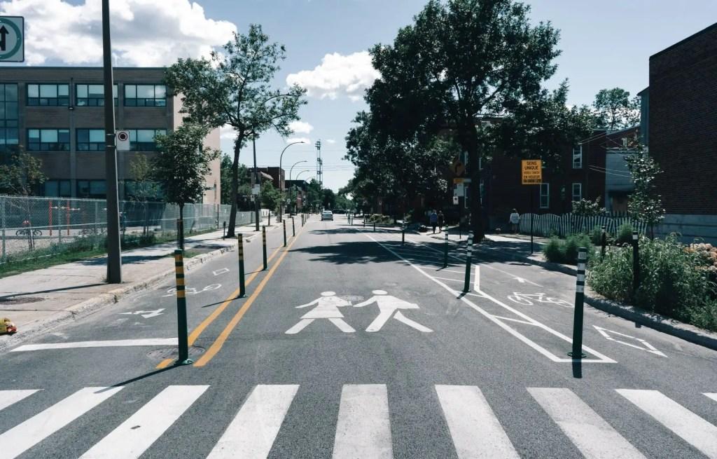 Une piste cyclable qui divise