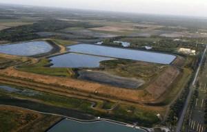 La fuite d'un réservoir fait craindre une inondation catastrophique en Floride