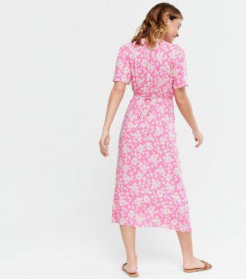 Petite Pink Floral Flutter Sleeve Midi Dress | New Look