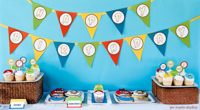 life-size-angry-birds-party-dessert-table-ideas