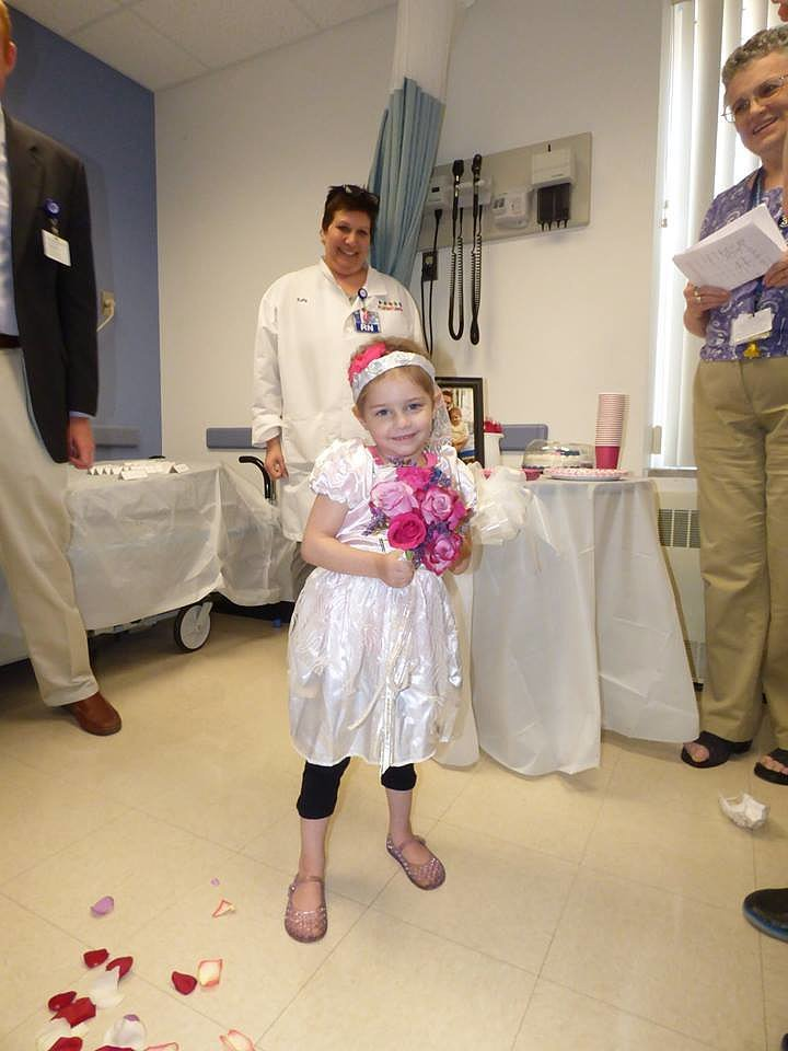 "Watch a 4-Year-Old Cancer Patient's Favorite Nurse ""Marry"" Her and Make Her Dreams Come True"