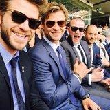 Chris e Liam Hemsworth infiammano i loro sorrisi di conquista giù sotto
