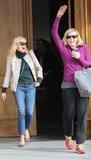 Reese Witherspoon e loperatore di Chelsea risultano che le bionde realmente hanno più divertimento