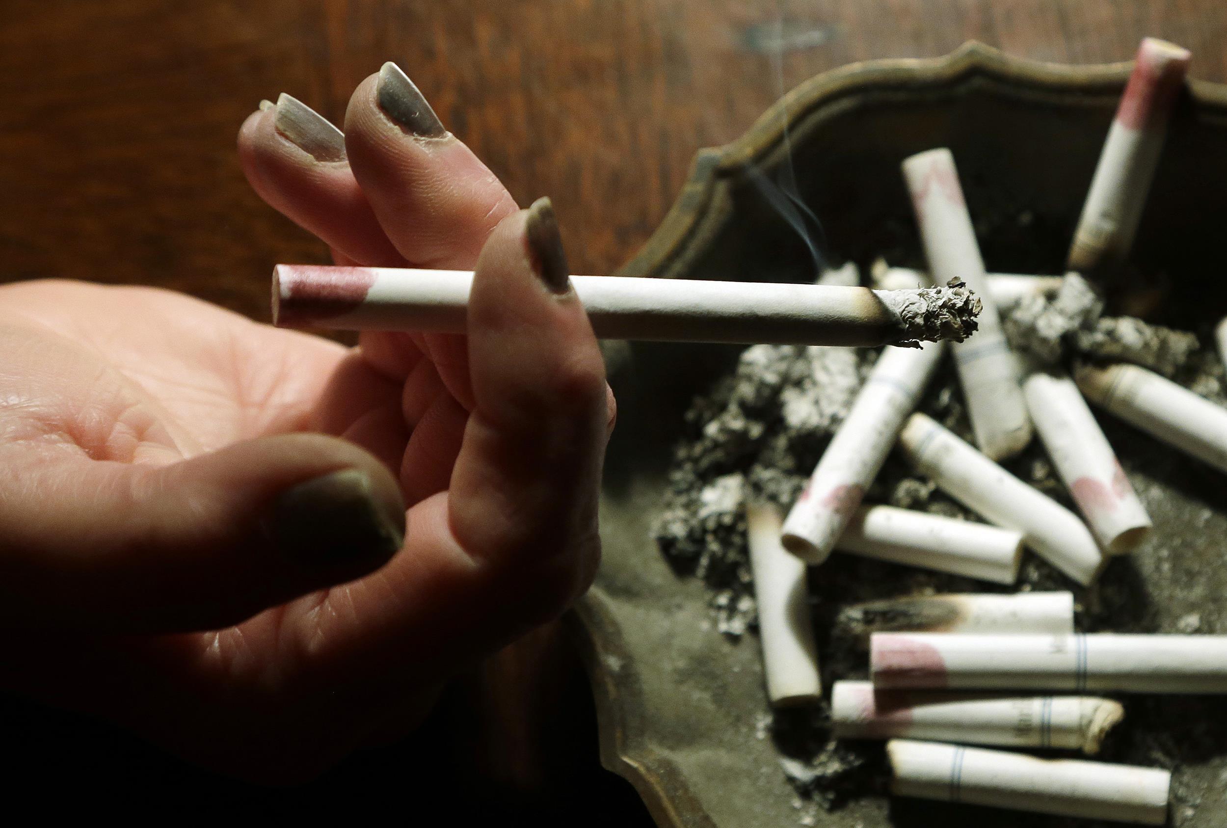 El humo del cigarrillo podría causar infertilidad y menopausia precoz|saludverdes.com