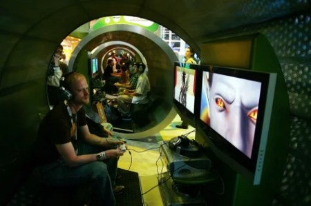 Sure  it s a cool job  But do games pay    Technology   science     E3 Expo 2006 Kicks Off In Los Angeles
