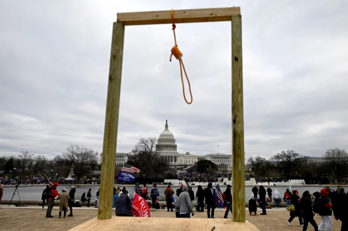 Noose appears near Capitol; protesters seen carrying Confederate flags
