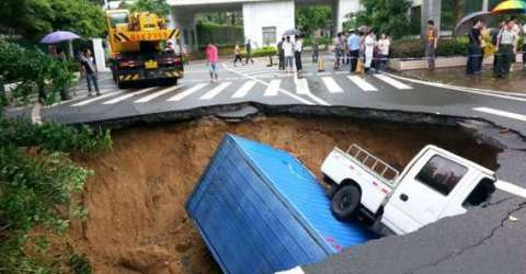 Shenzhen, China 45 photos of sinkholes around the world will sink anyone's, heart
