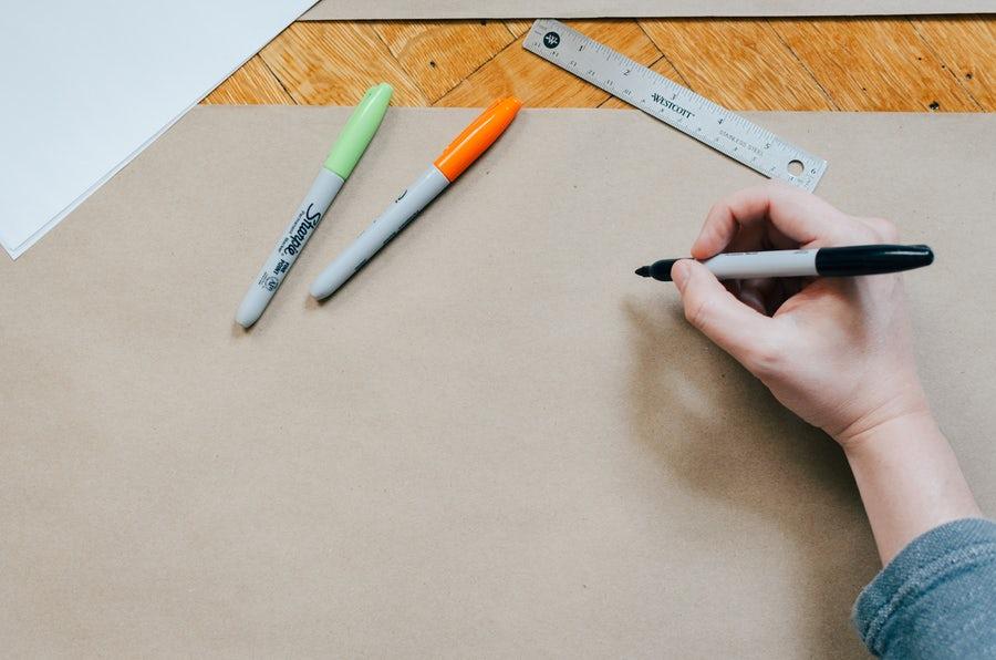 Vad skiljer mellan en AD och Designer? Vi reder ut titlarna