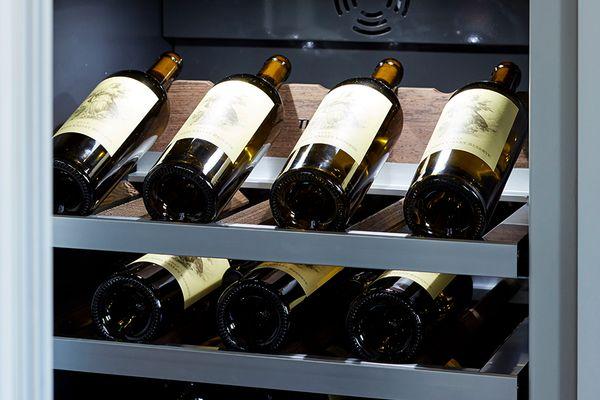 thermador wine refrigeration presenter shelf