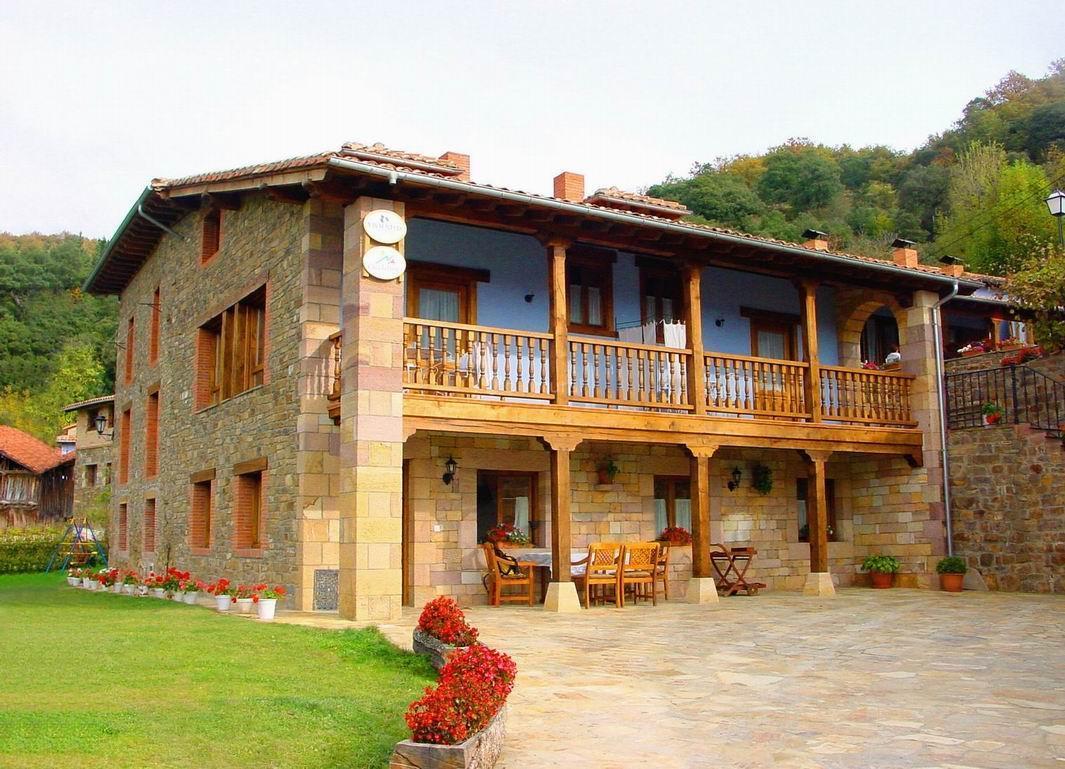 Reserva online tu alquiler vacacional con vrbo. Fotos de Casa Lebanes | Cantabria - Cabezon De Liebana ...