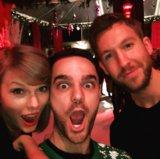 Taylor rapido celebra il suo ventiseiesimo compleanno con Calvin Harris ed il Babbo Natale   vedi la foto!