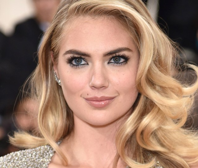 Kate Upton Engaged To Justin Verlander See The Huge Ring She Wore To Met Gala
