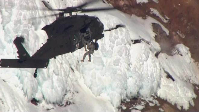 Alpinista fallece tras caída de 700 pies en Mt. Hood, Oregon 1