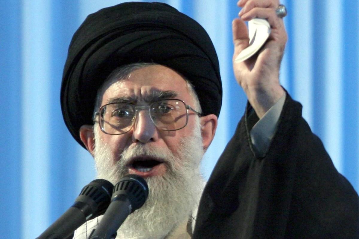 https://i1.wp.com/media3.s-nbcnews.com/j/newscms/2015_29/1129321/150718-ayatollah-ali-khamenei-yh-0758a_42e438d2ce9f88eaccfce2f914f784a1.nbcnews-fp-1200-800.jpg
