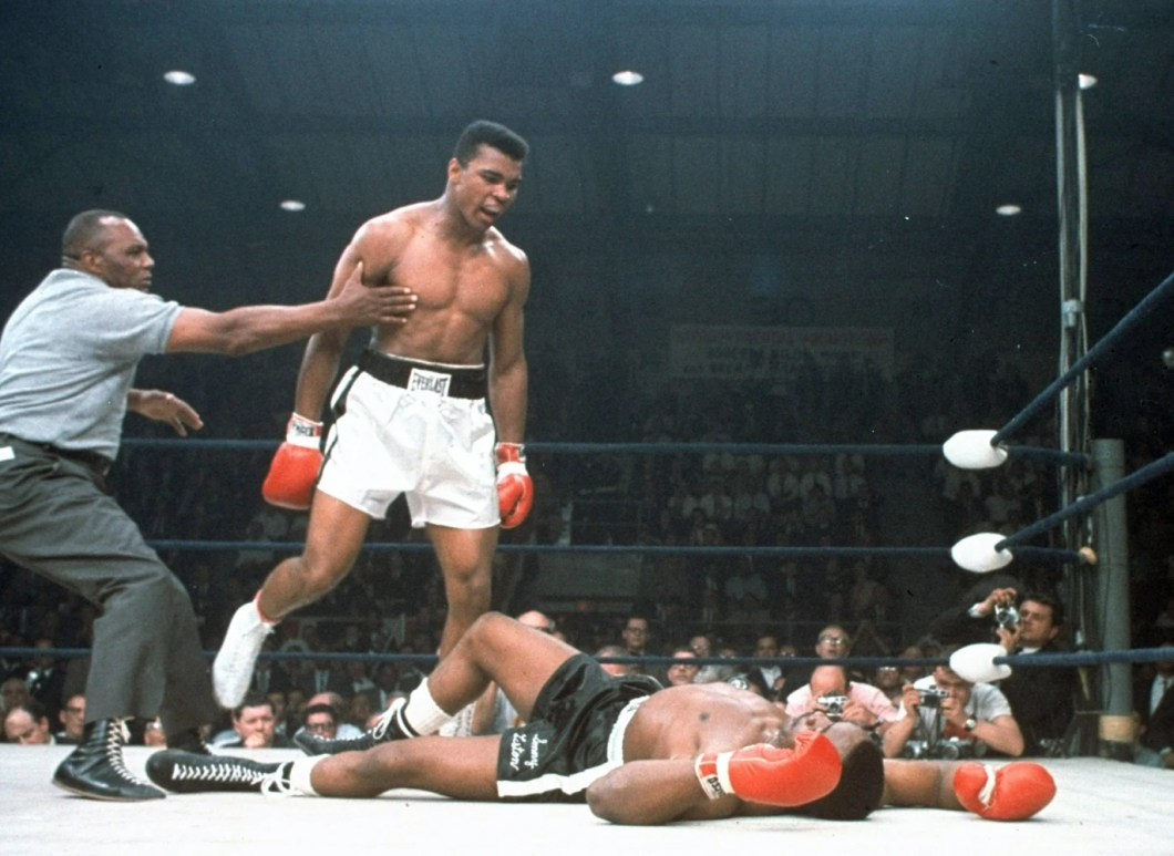 https://i1.wp.com/media3.s-nbcnews.com/j/newscms/2016_22/1562596/160602-muhammad-ali-sonny-liston-yh-0324p_d9233f379ca957fee223c6bb4d5b390d.nbcnews-ux-2880-1000.jpg?w=1060&ssl=1