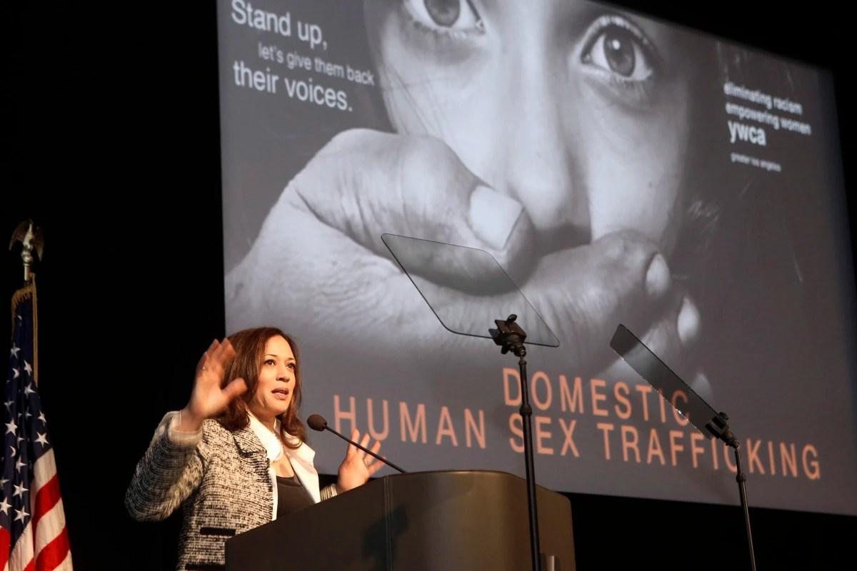 https://i1.wp.com/media3.s-nbcnews.com/j/newscms/2016_52/1849446/161230-california-prostituion-forum-919a_475789e92b640aa39bdc69616124a072.nbcnews-fp-1200-800.jpg