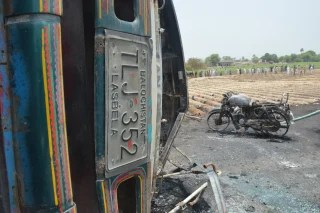 Image: At least 123 people killed in an Oil tanker explosion near Bahawalpur