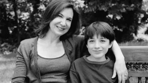 Karen Siff Exkorn, with her son Jake Exkorn in 2005.