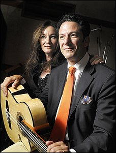 Dynamic duo: Jessica Molaskey and John Pizzarelli.