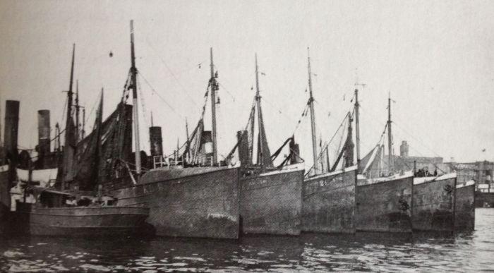 Ångtrålare i Göteborgs Fiskhamn 1926