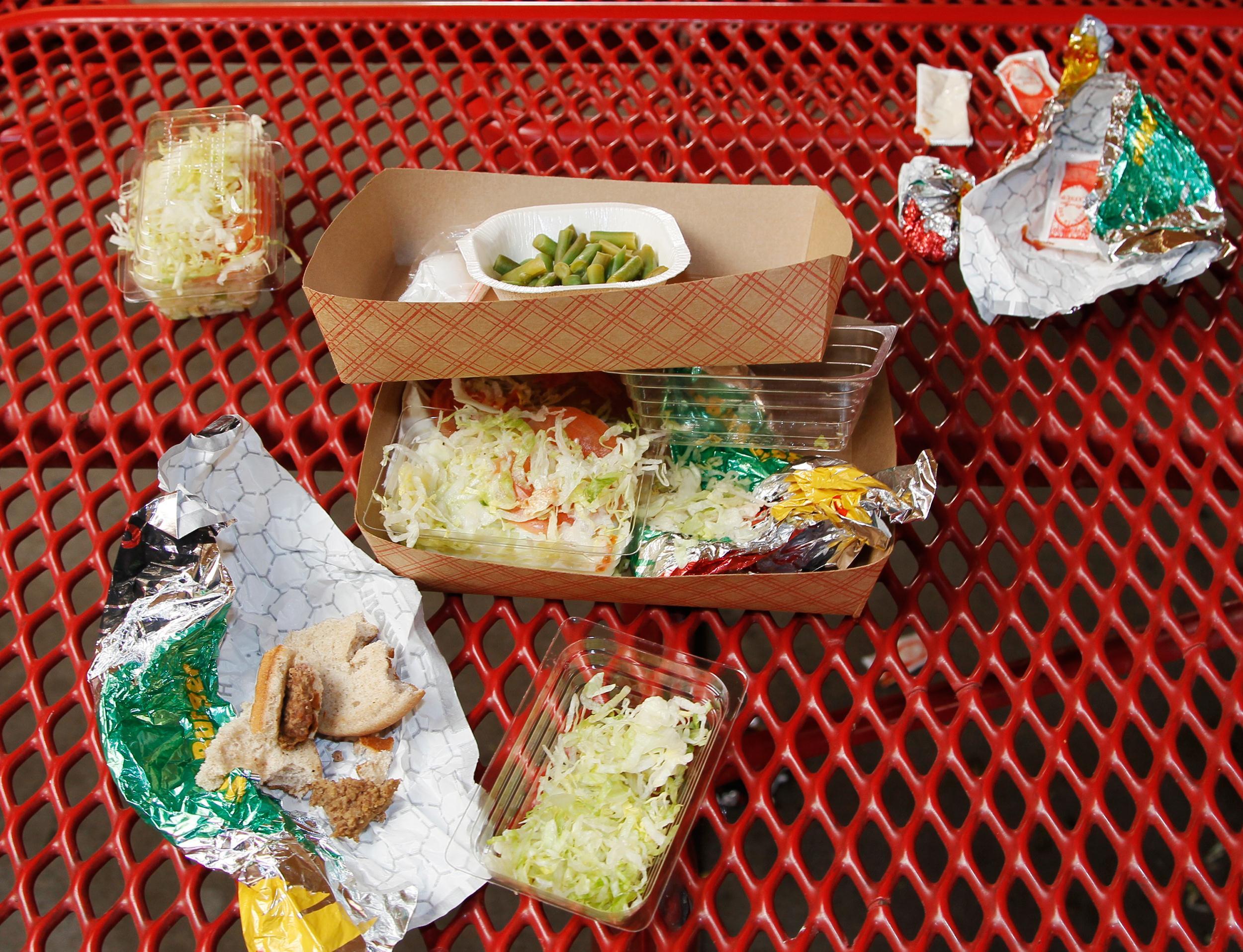 Cleaner Plate Club Kids Eat More Fruits Veggies At School