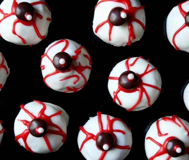 Cake Pop Eyeballs How To Make This Creepy Halloween Treat
