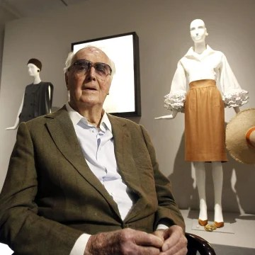 Tailor to the stars Hubert de Givenchy dies at 91 - NBC News