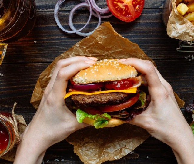The Dos And Donts Of Cheat Meals According To Nutrition Experts