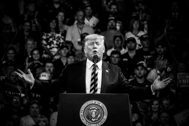 Image: Trump addresses the crowd at a rally in Charleston, West Virginia