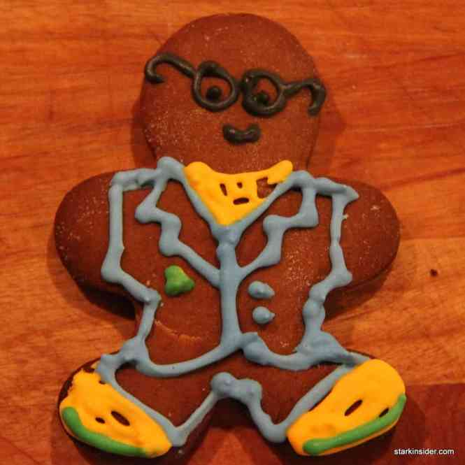 How To Decorate A Gingerbread Man On Construction Paper Ehow
