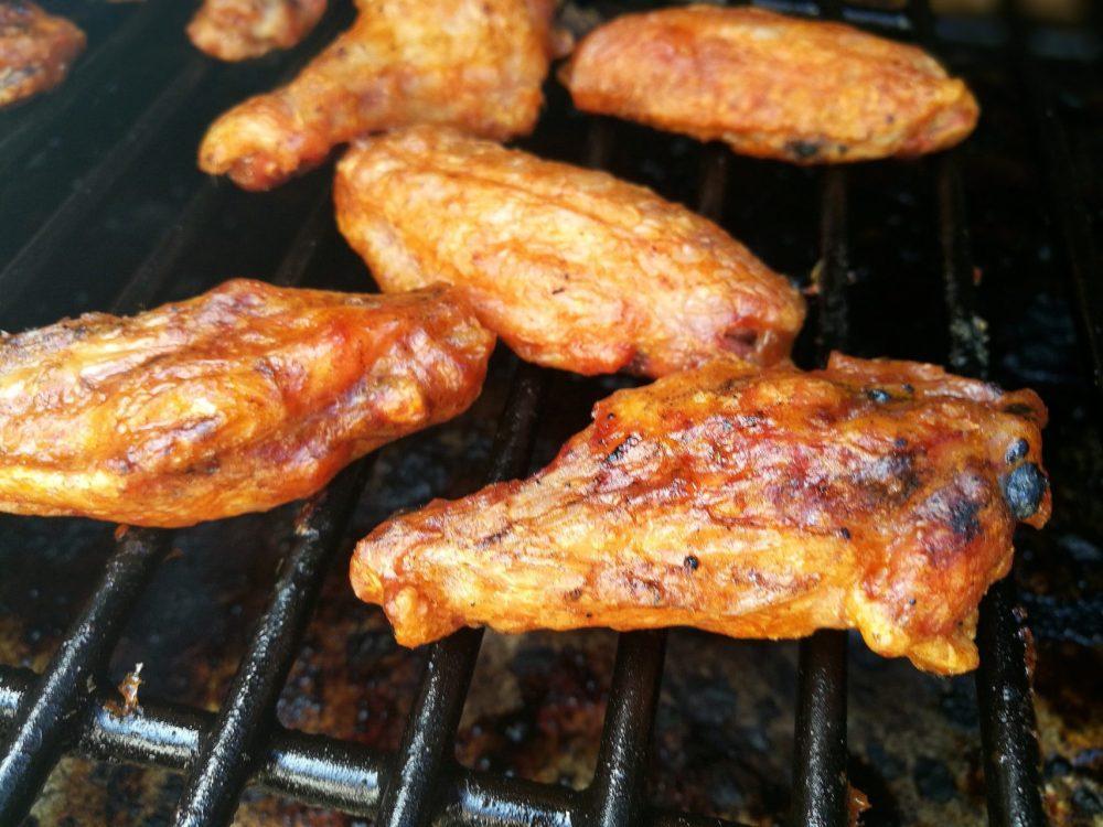 Buffalo wings med saus fra Drit Forbanna