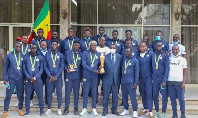 Beach Soccer : les Lions reçoivent leurs récompenses