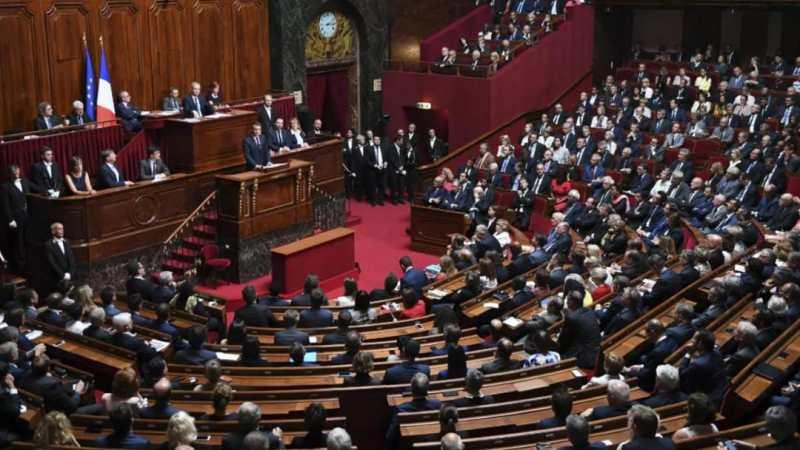 France : le Parlement adopte définitivement le projet de loi sur l'extension du passe sanitaire