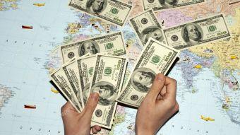 Сколько денег у россиян за границей