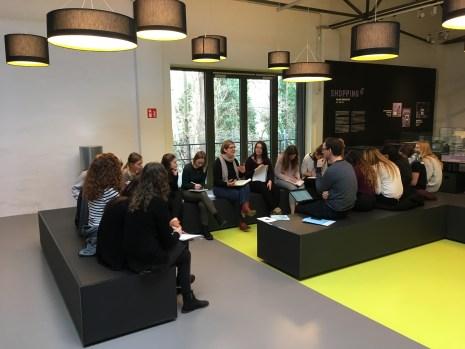 Svenja Gaube vom Technikmuseum im Gespräch mit den SeminarteilnehmerInnen