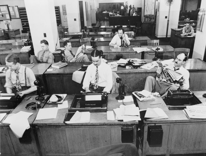 Black and white photo of New York Times Newspaper newsroom