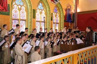 Coro e Orquestra durante a Missa de Natal - 2017
