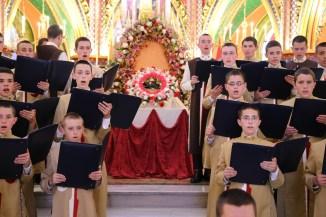 Concerto de Natal na Basílica Nossa Senhora do Rosário de Fátima, dos Arautos do Evangelho, dia 24 de Dezembro de 2017. Ao centro o Menino Jesus.