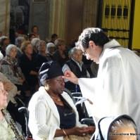 28-32-Le confessioni e l unzione degli infermi furono uno dei punti forti della missione -009