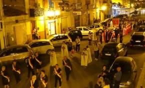 23092015_Niscemi_In processione al Presidio Ospedaliero Suor Cecilia Basarocco_005 (1024x576)