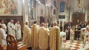 S.Messa del vicariato con l'offerta dell'olio della lampada mariana perpetua (1)