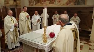 S.Messa del vicariato con l'offerta dell'olio della lampada mariana perpetua (5)