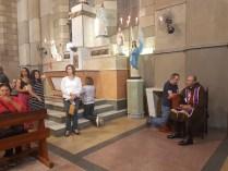 Pe. Sebastião Alves, EP, atende Confissões durante a Celebração Eucaristica