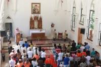 Centenas de pessoas participaram da Missa