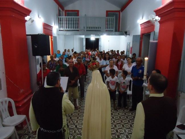 Imagem de Nossa Senhora de Fátima e Arautos do Evangelho na Paróquia de Lucena, Paraíba
